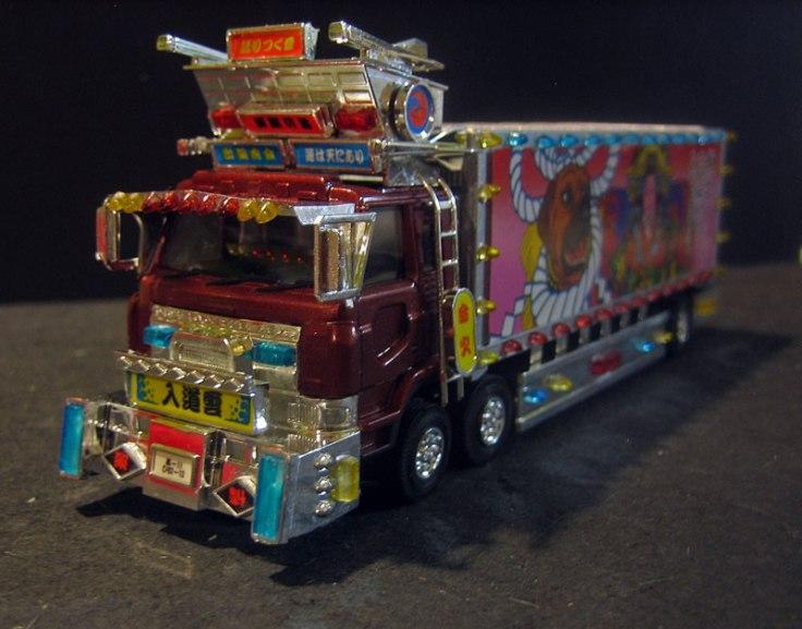 A tiny, tiny truck model